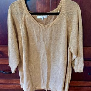 Oversized gold top